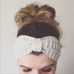 Accessories - Knotted Crochet Headband